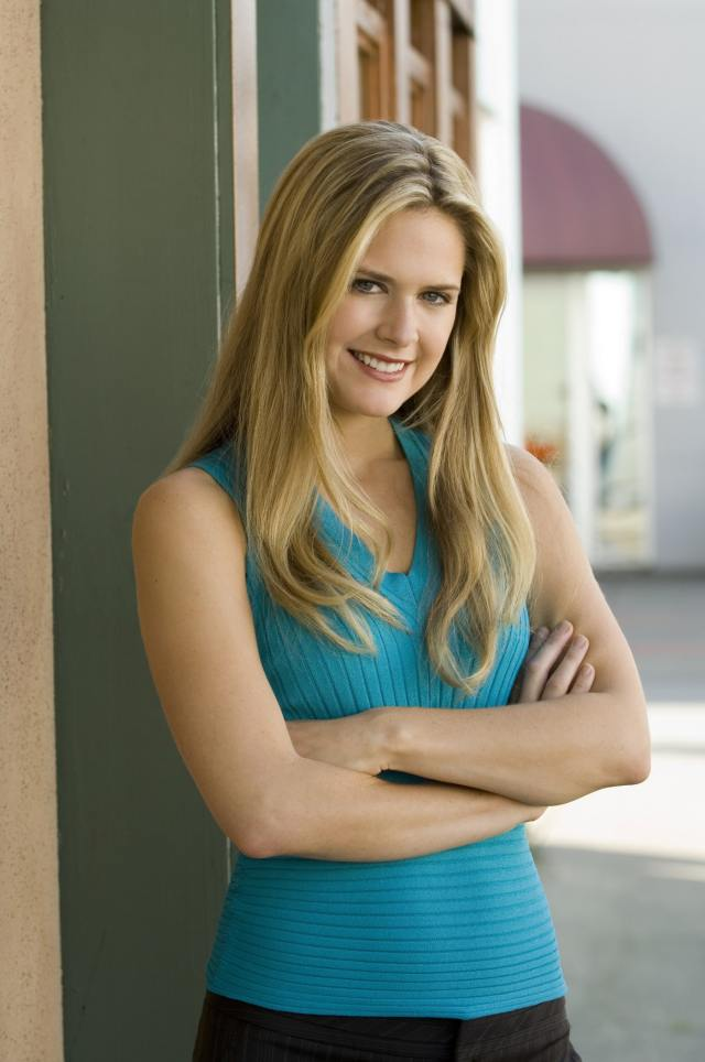 Maggie Lawson Beautifull