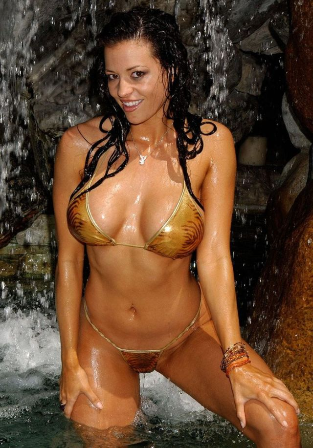 Candice Michelle Sexy Pictures