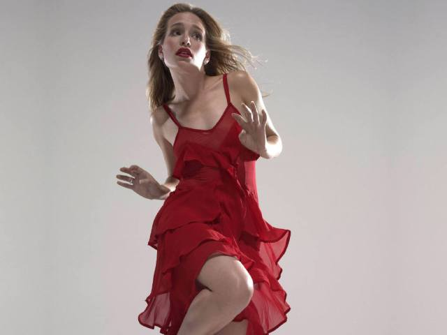 Piper Perabo Dancing