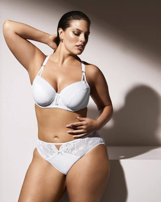 Ashley Graham Hot Photoshoot
