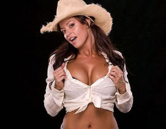 Candice Michelle Showing Boobs