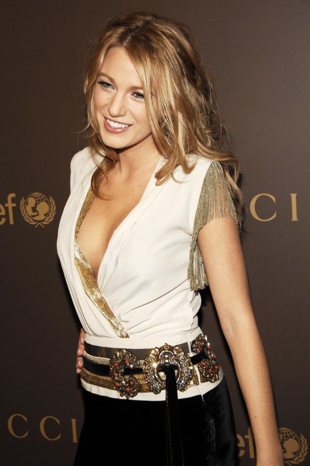 blake lively cleavage pictures