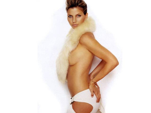 charisma carpenter near nude