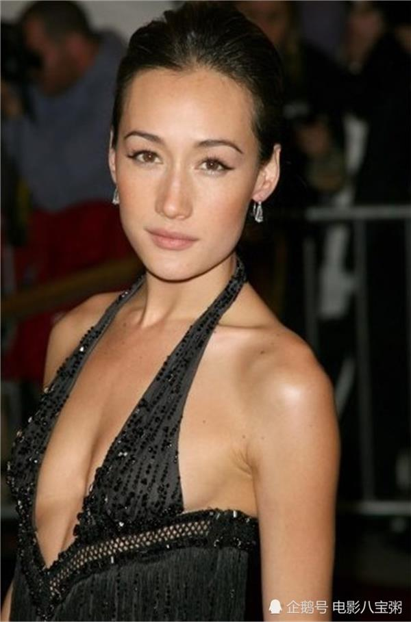 maggie q sexy cleavage