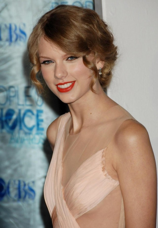 taylor swift smile