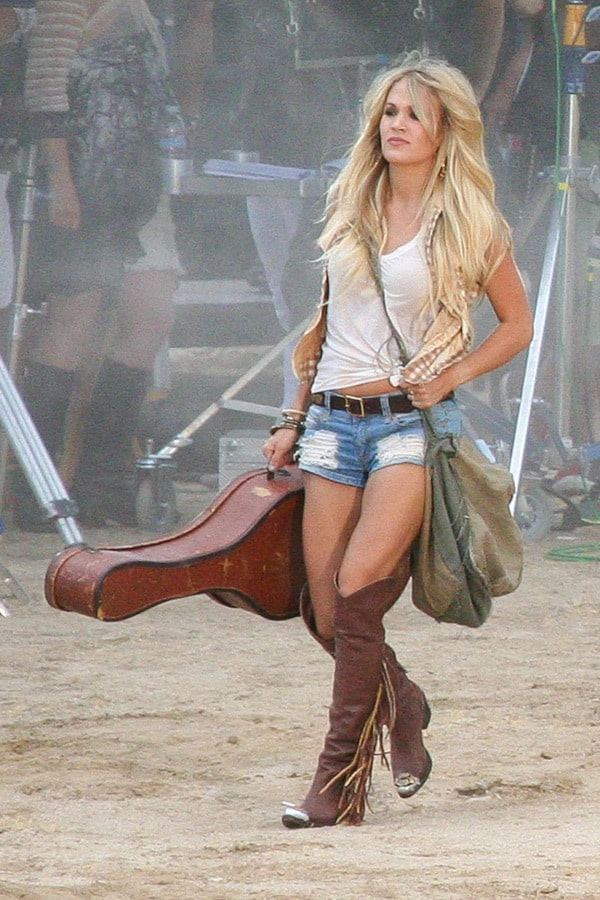 Carrie Underwood on Guitar