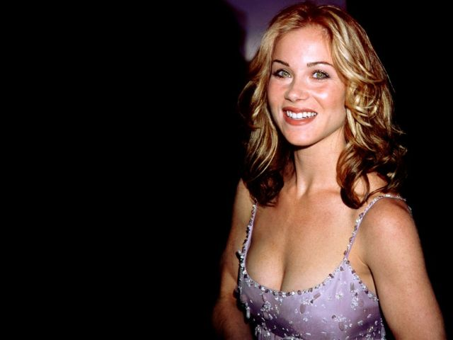 Christina Applegate Sexy Pictures