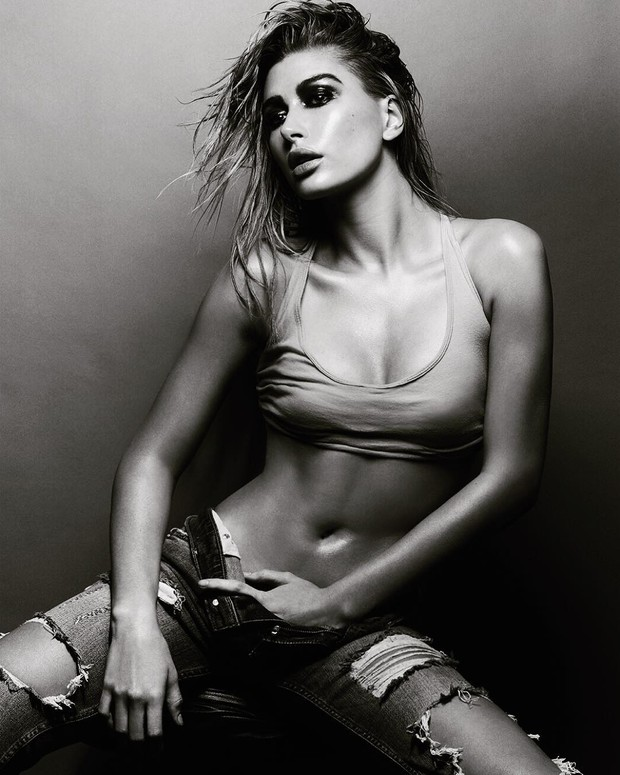 Hailey Baldwin Sexy Pictures (2)