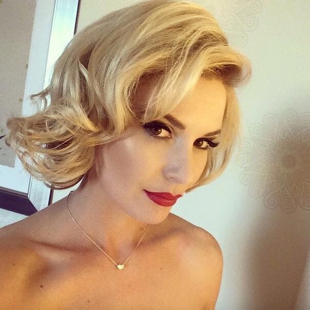 Renee Young Sexy Pictures