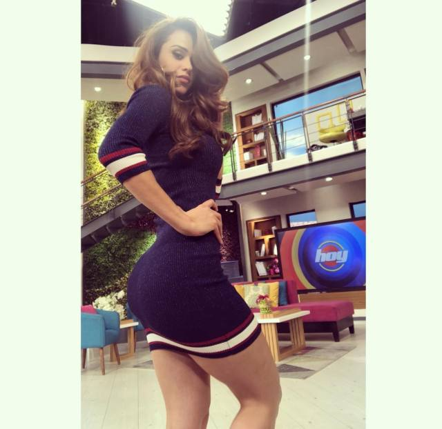 Yanet Garcia pictures
