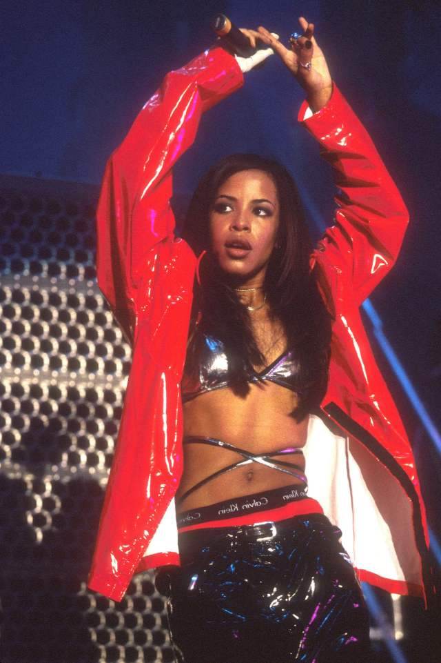 aaliyah during the performance