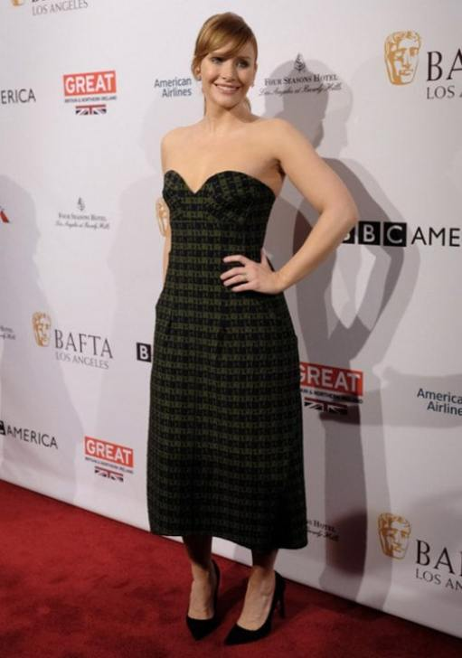 bryce dallas howard awesome sexy dress