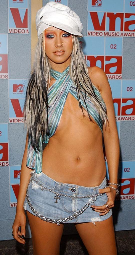 christina aguilera looking sexy
