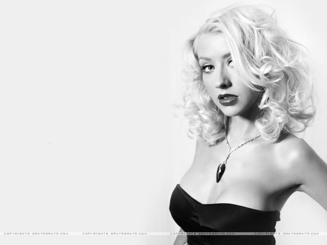 christina aguilera too hot