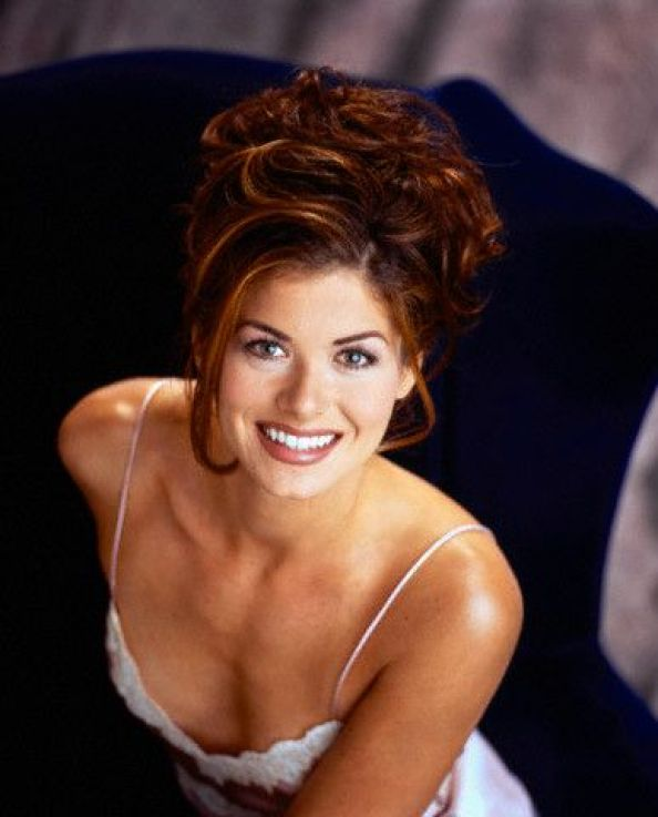 debra messing sexy cleavage