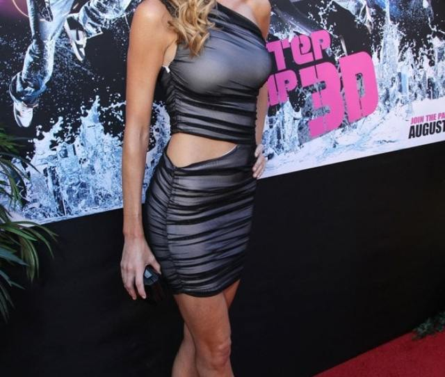 Hot And Sexy Pictures Of Erin Andrews Are Too Damn Delicious