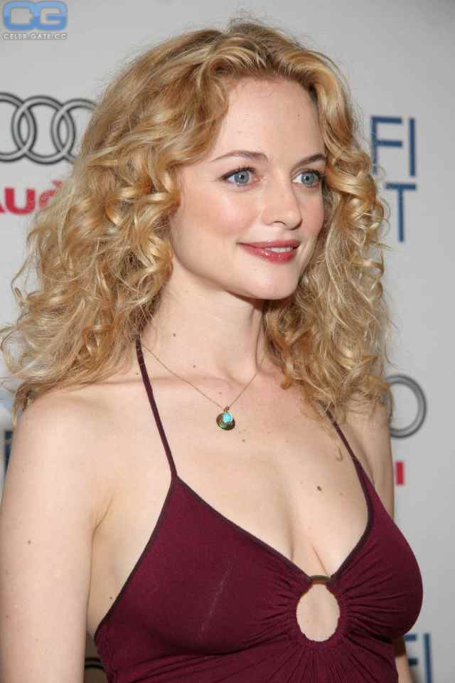 heather graham cleavage pictures