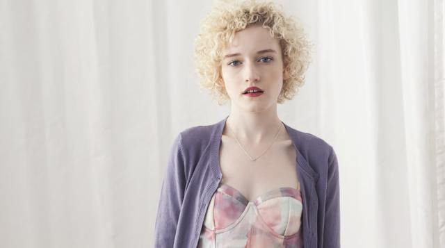 julia garner beautiful
