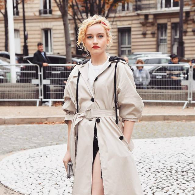 julia garner outdoor
