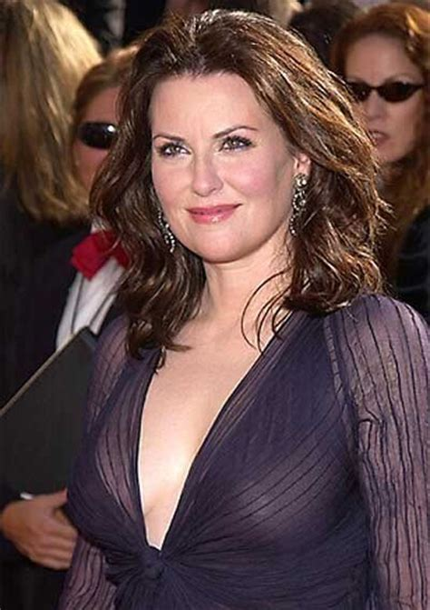 megan mullally cleavage pictures