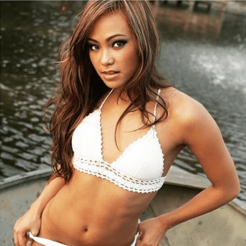 michelle waterson awesome cleavages