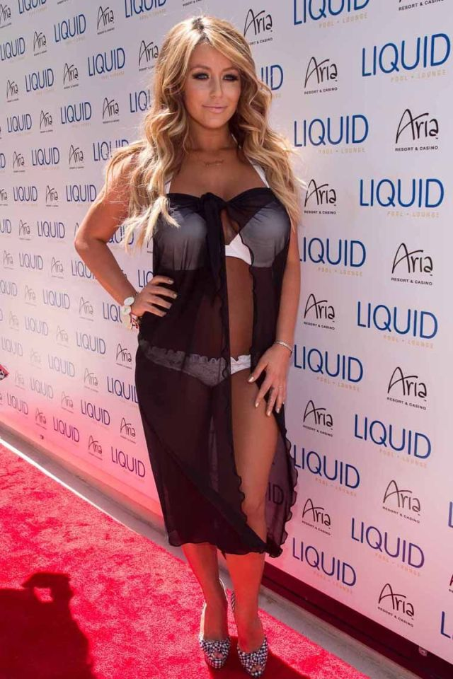 Aubrey O'day very sexy and hot