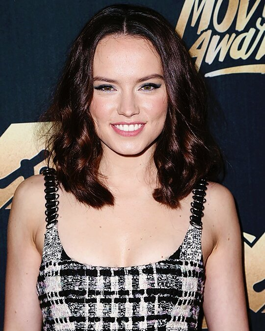 Daisy Ridley Sexy Boobs