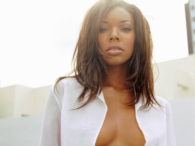 Gabrielle Union hot cleavages