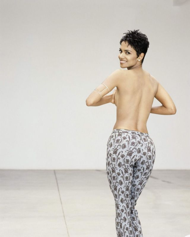 Halle-Berry-Naked-Butt-
