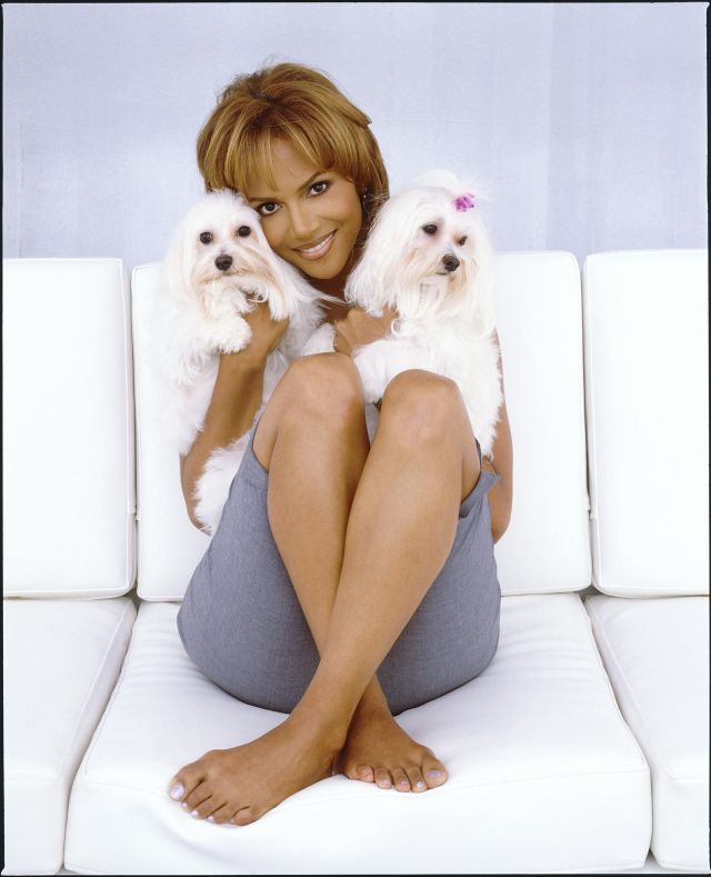 Halle Berry Sexy Toes