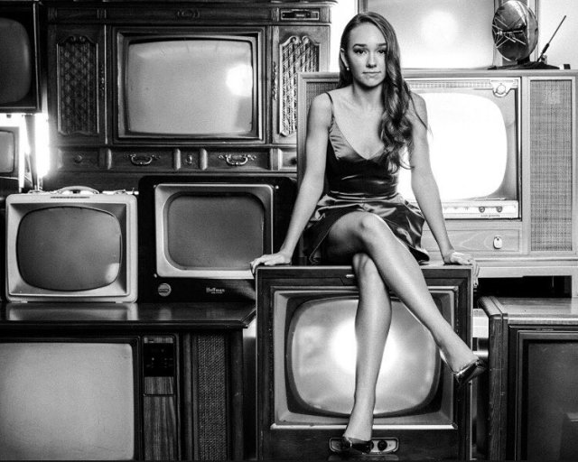 Holly Taylor awesome feet