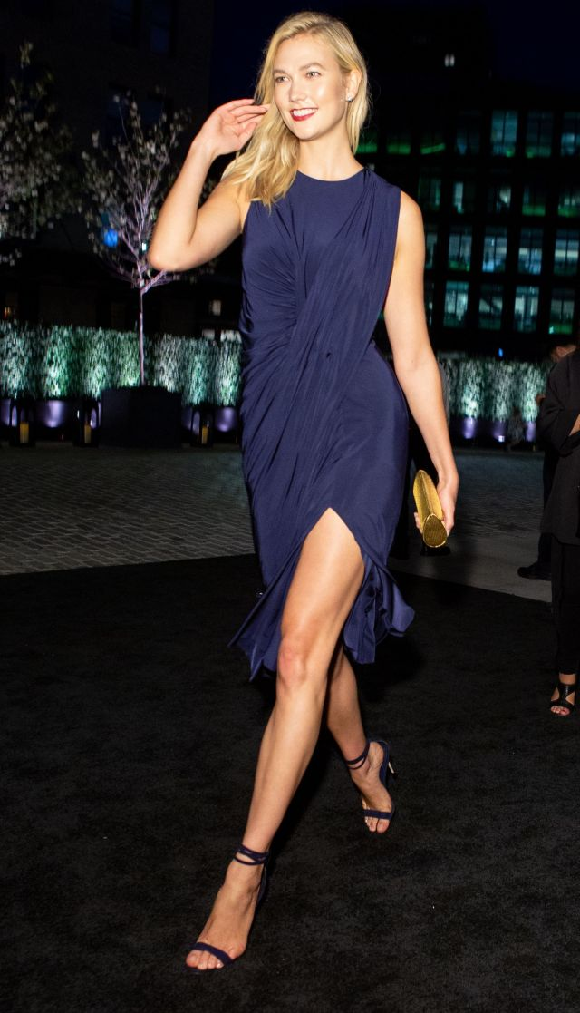 Karlie Kloss legs awesome pic