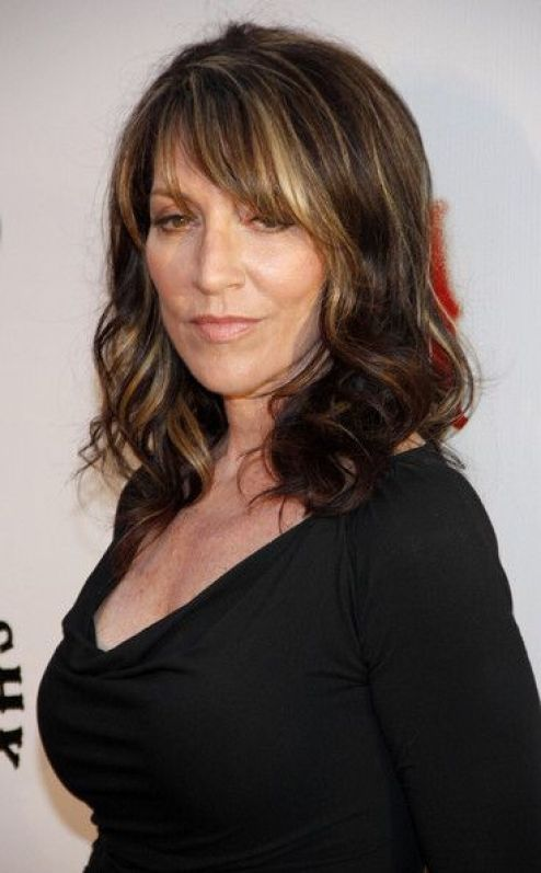 Katey Sagal cleavages pics sexy