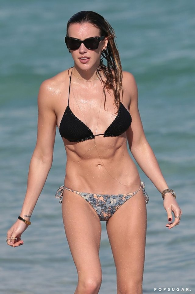 Katie-Cassidy-Hottest-Bikini-Pictures
