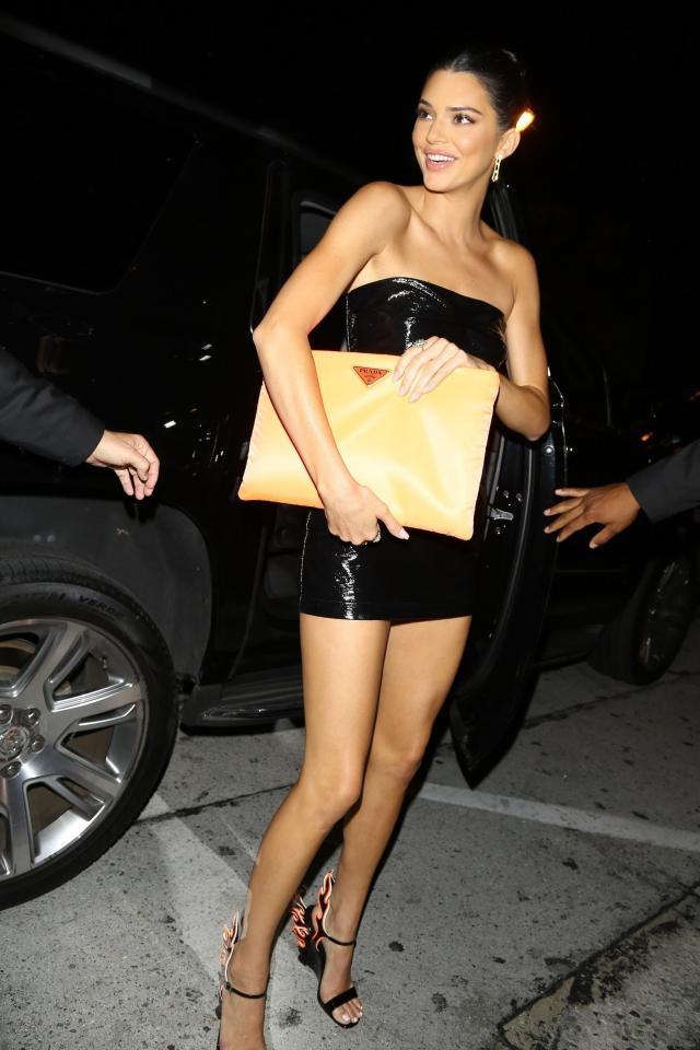 Kendall Jenner feet beautiful pictures