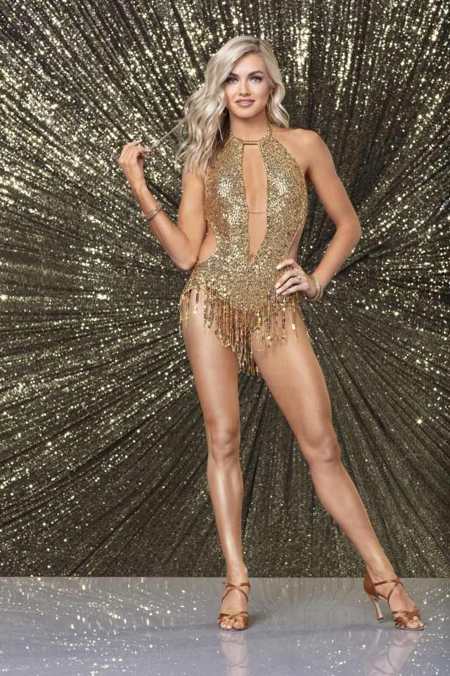 Lindsay Arnold awesome pic (2)