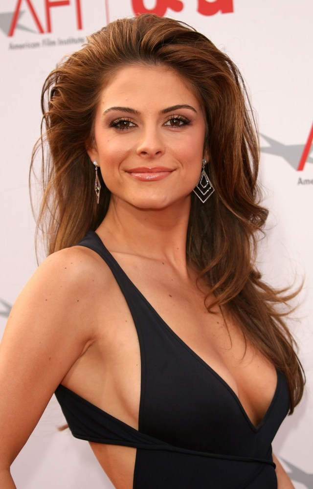 Maria Menounos sexy clevage pic
