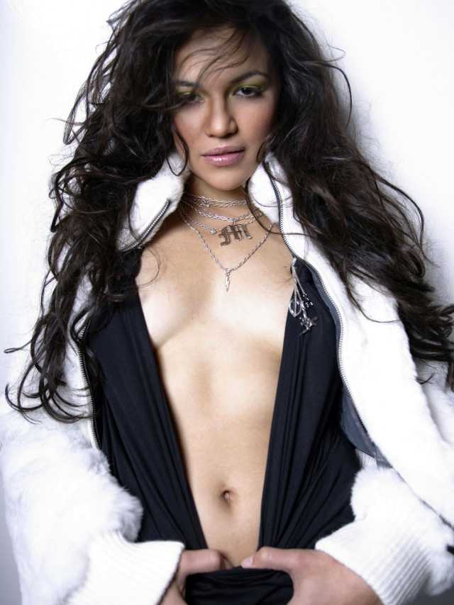 Michelle-Rodriguez--awesome cleavages