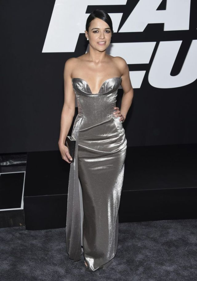Michelle-Rodriguez-on-Party