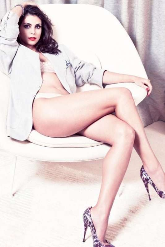 Morena-Baccarin-legs awesome pic
