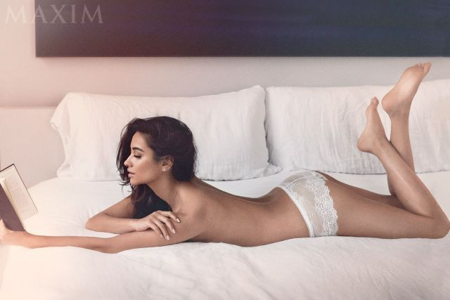 Shay Mitchell Sexy Pictures