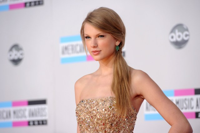 Taylor Swift on abc Awards