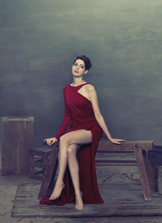 anne hathaway sexy bare feet pics