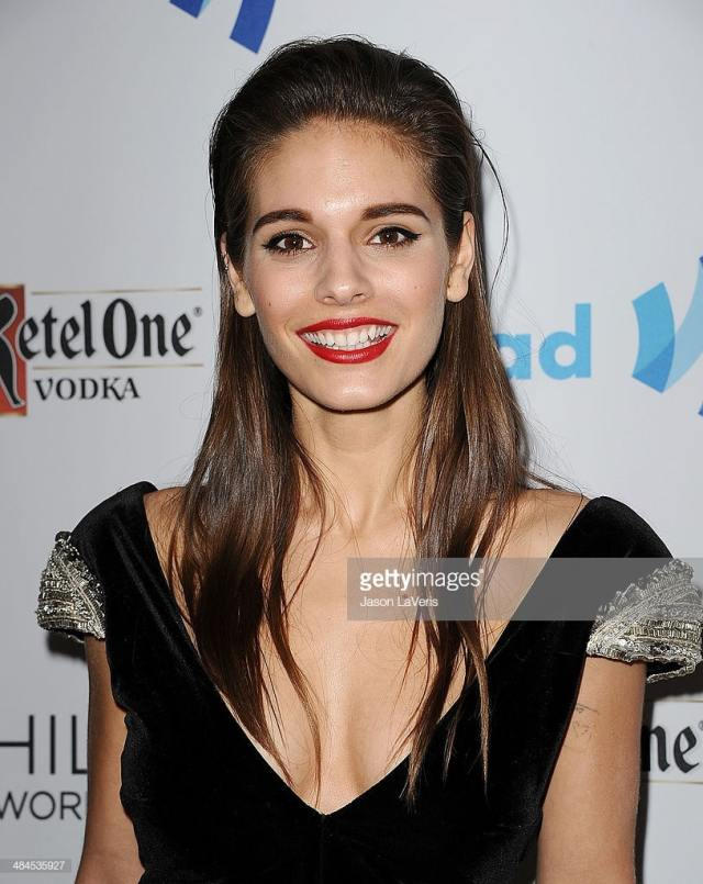 caitlin stasey hot pic