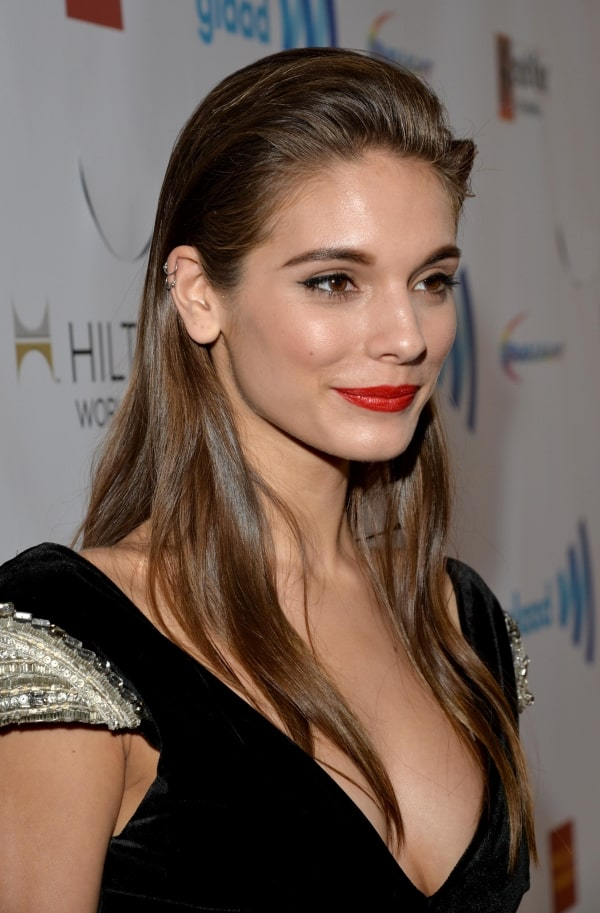 caitlin stasey sexy cleavages