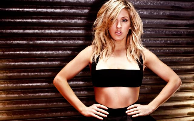 ellie-goulding-awesome pics cleavages