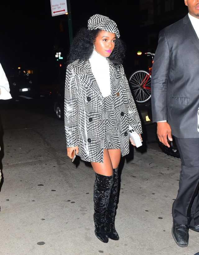 janelle monae sexy thighs