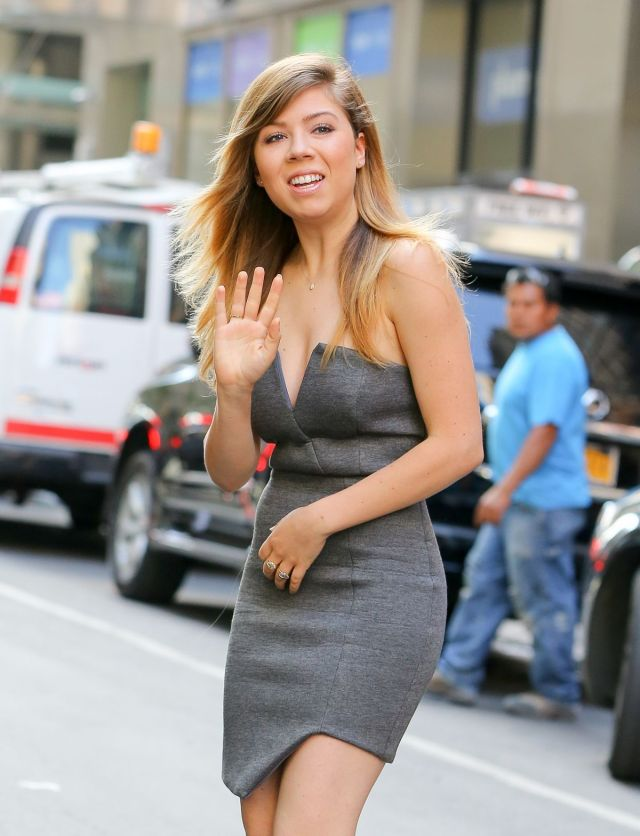 jennette mccurdy awesome pic