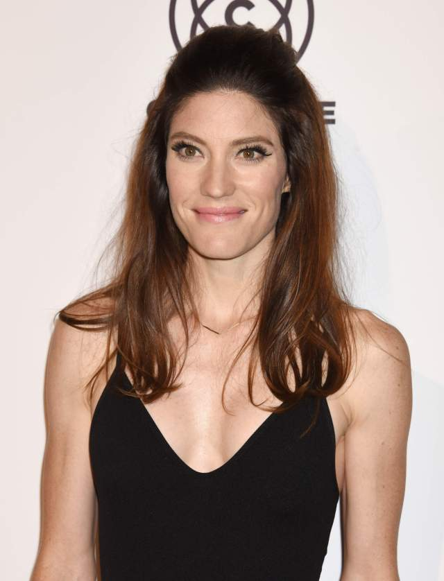 jennifer carpenter cleavage