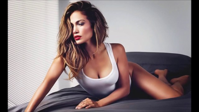 jennifer lopez hot cleavages sexy
